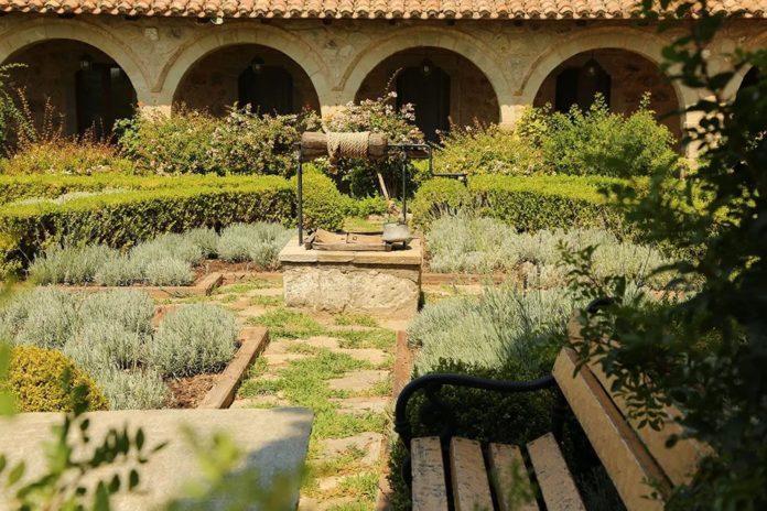 Ландшафтный дизайн: средневековый сад снова в моде