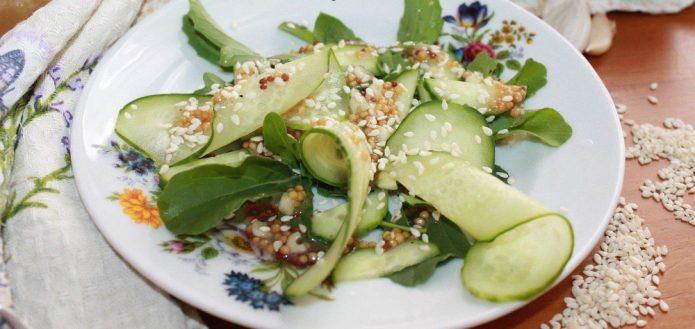 Польза рукколы для здоровья женщин и мужчин и три рецепта летних салата