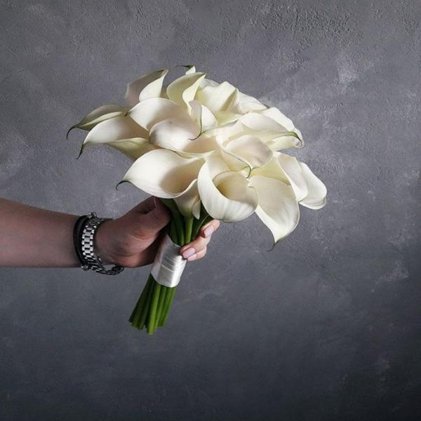 Букет невесты из самых символичных свадебных цветов – калл