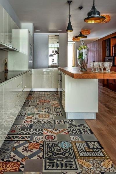 10 потрясающих способов красиво состыковать ламинат и плитку. Идеальное напольное покрытие!