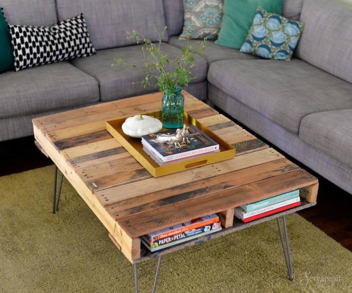 20 примеров мебели из поддонов, которую несложно собрать своими руками