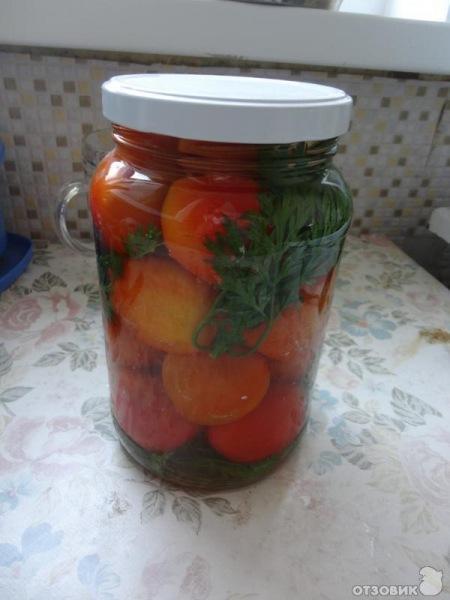 Бархатцы и помидоры