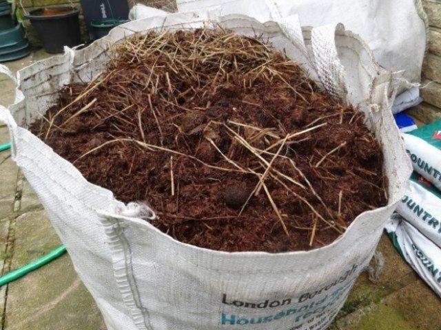Что добавить в почву осенью для повышения ее плодородия