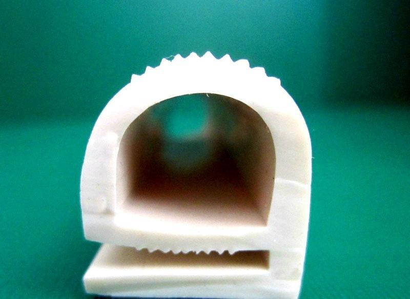 Как правильно применять уплотнитель для пластиковых окон: общие сведения и практические рекомендации