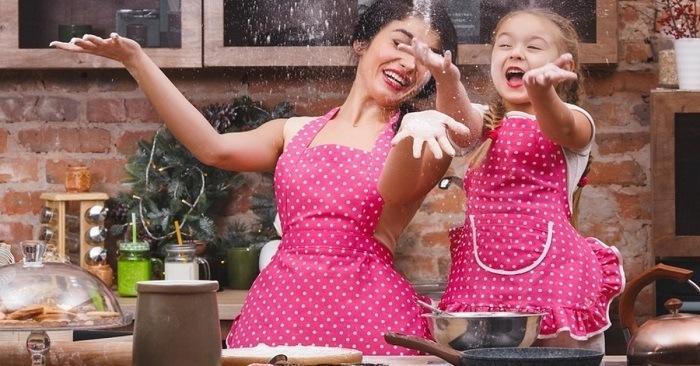 Радовать хозяйку будет долгие годы! Изготовить можно за пару часов. Теперь готовить стало еще приятнее и веселее.