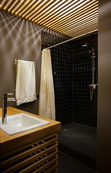 Вы точно уверены, что натяжные потолки можно устанавливать в ванной комнате?